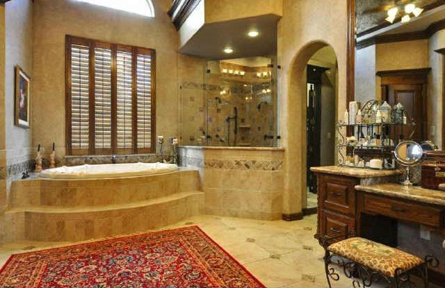 Hot Flooring Trends in Luxury Real Estate